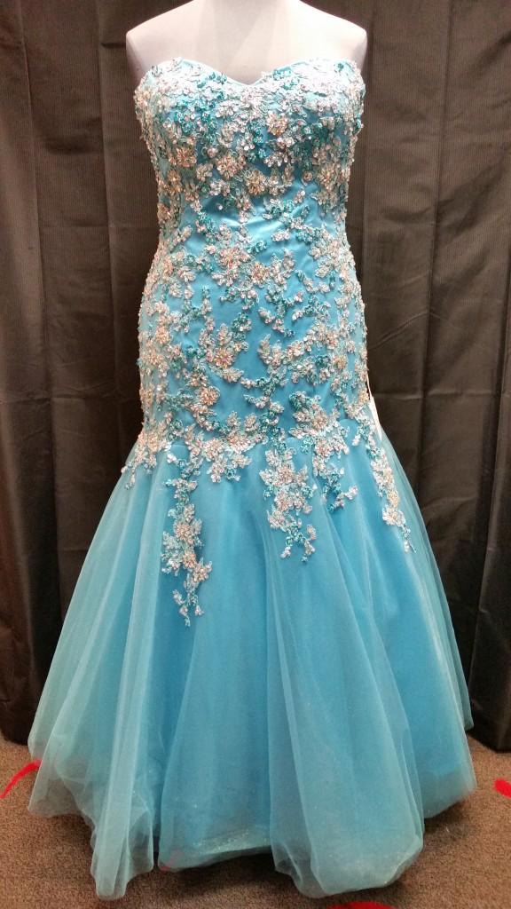plus size lace prom dress