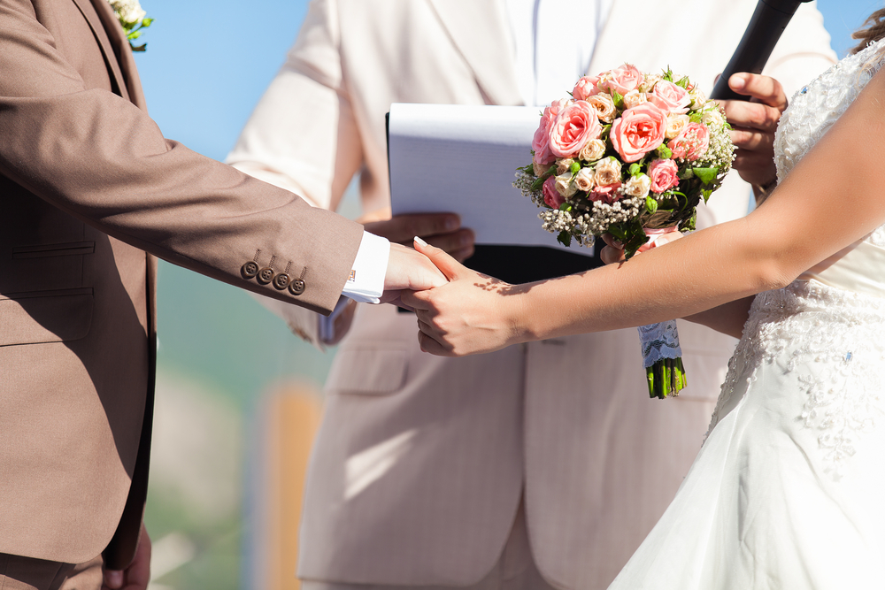 4 Secrets to Booking the Best Wedding Officiant in Phoenix