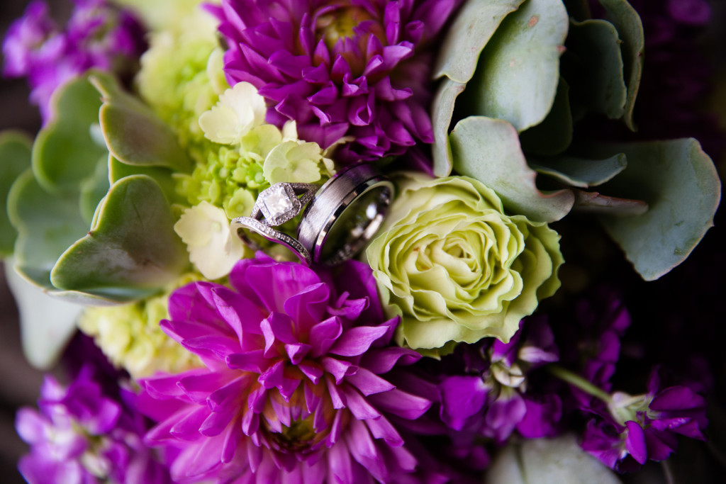 View More: http://aboutlovestudio.pass.us/matlak-hilston-wedding