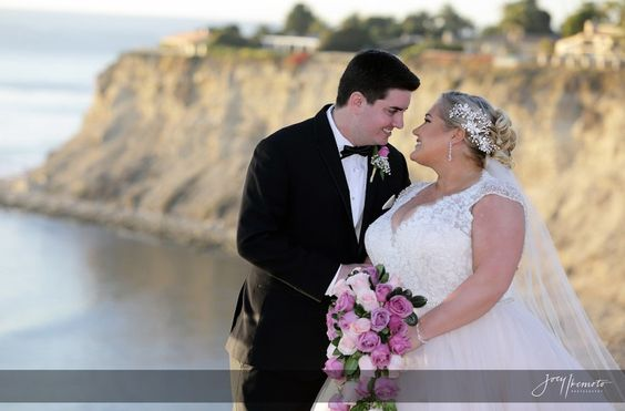 beach plus size wedding