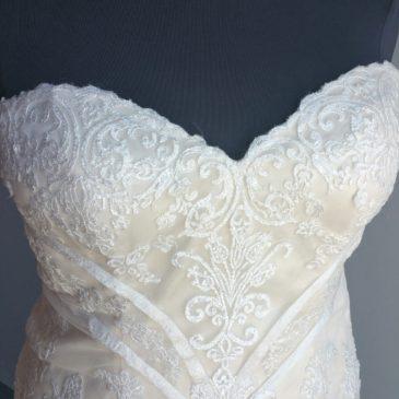 NEW: Vintage Lace Mermaid Wedding Dress