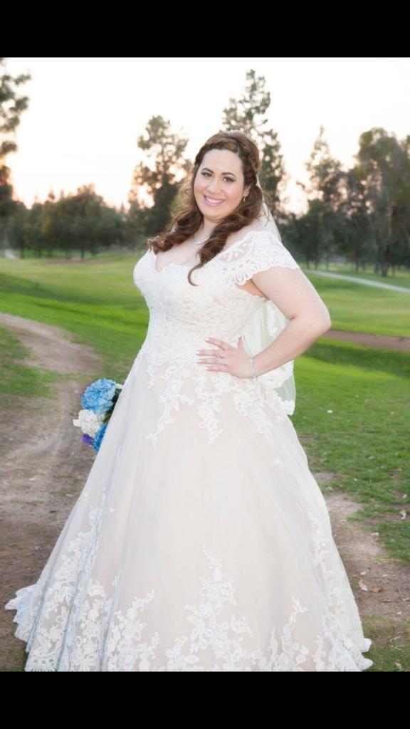 kirbe-champagne-lace-wedding-dress