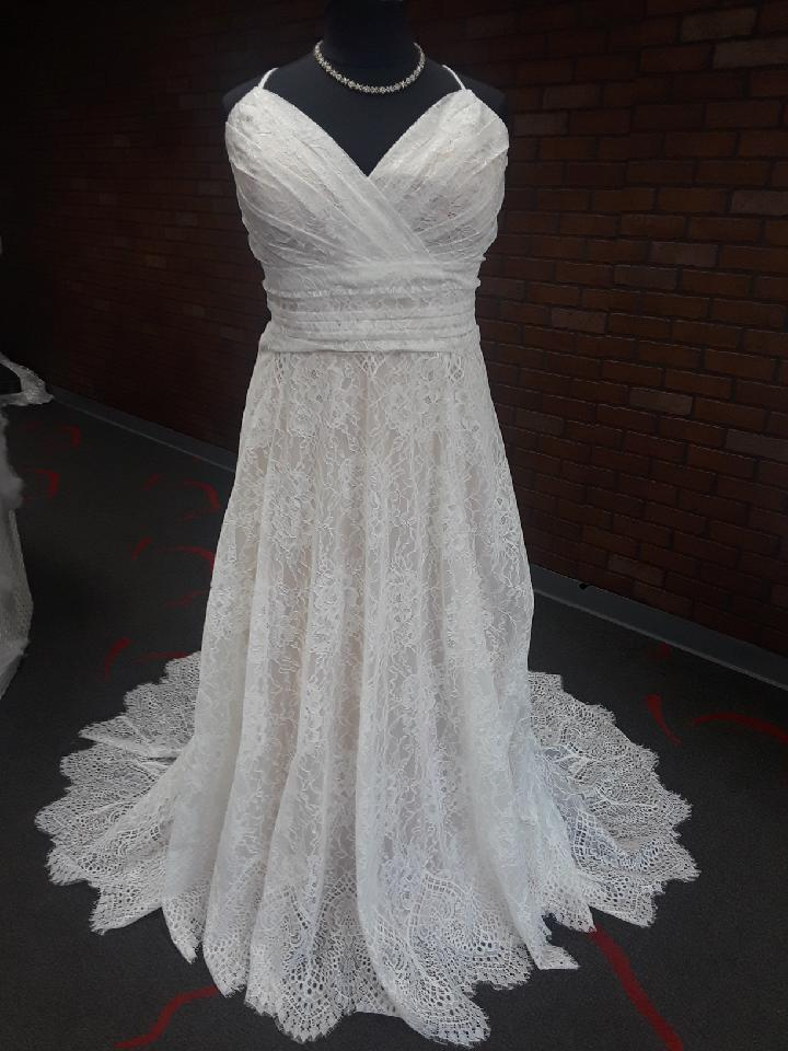 plus size lace aline wedding dress with straps