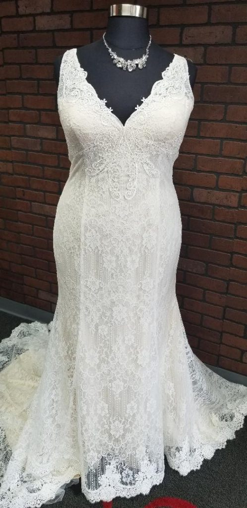 vneck textured lace mermaid wedding dress Los Angeles, CA