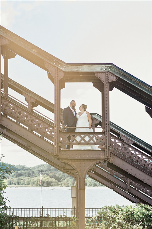 Outdoor wedding on the Hudson River
