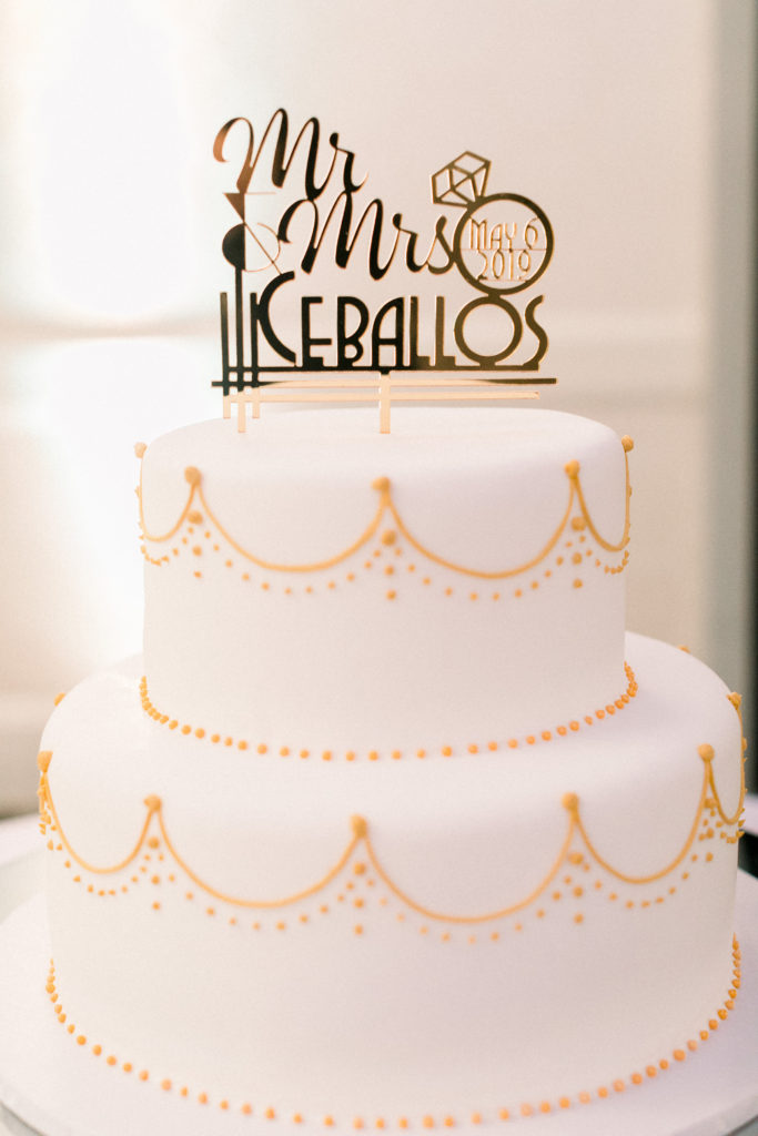 roaring 20s themed wedding cake
