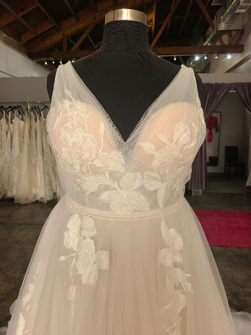 vneck plus size wedding dress with floral lace appliques